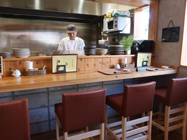 中華厨房やまぐち 店中