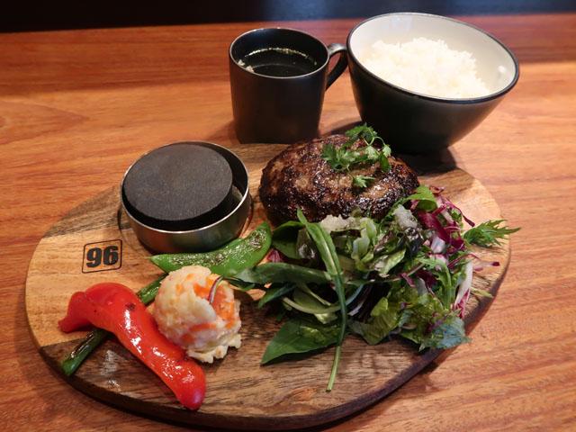 梅田肉料理きゅうろく 黒毛和牛ハンバーグランチ