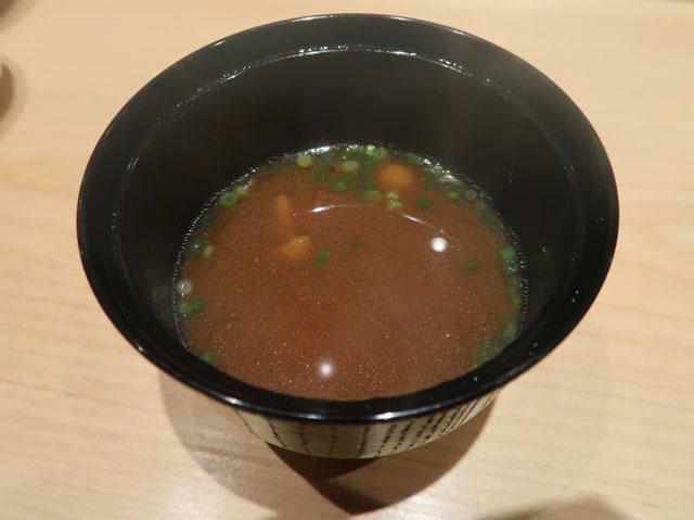 鮨処 池上 赤出汁
