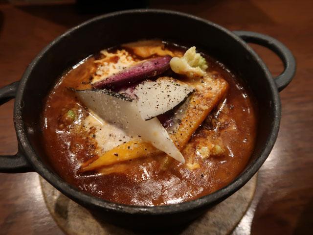ワインと熟成肉のイタリアン ボノ 熟成肉のデミグラスシチューアップ