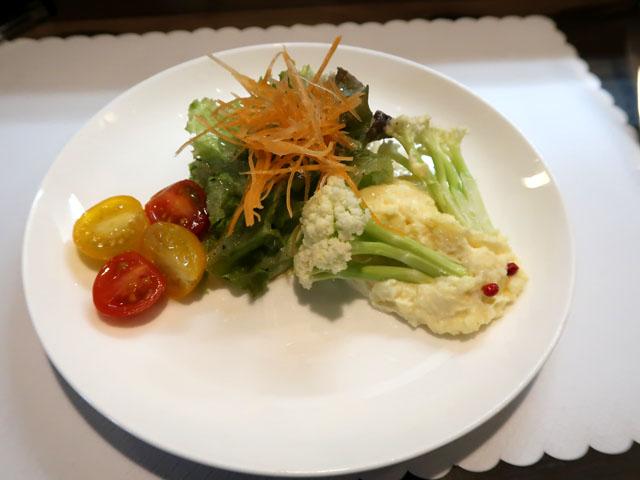 洋食うめの サラダ