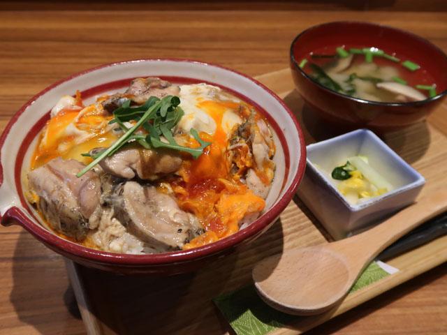 健美宴(けんびえん)美味しい親子丼