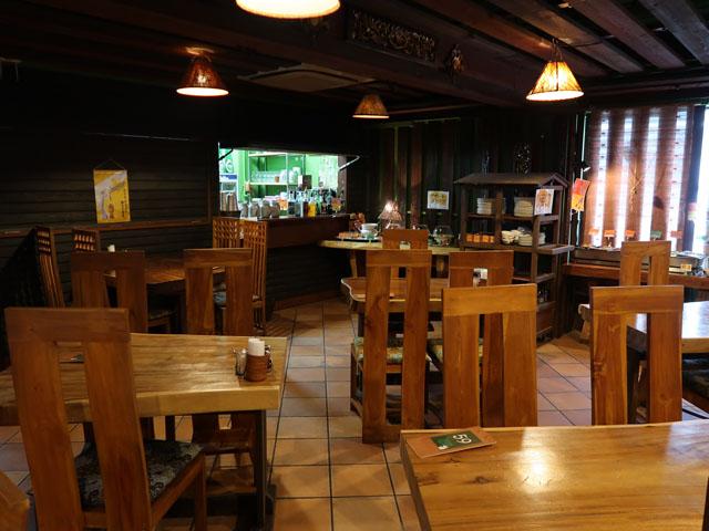 熱帯食堂 店中2